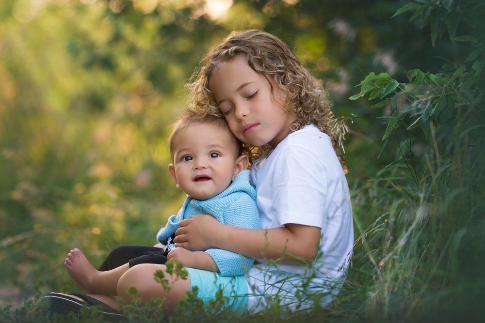 children at regina family photo session
