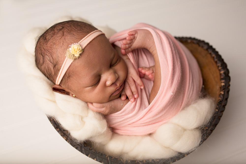 newborn photographers in regina