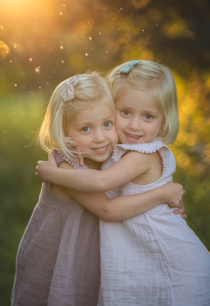 sisters hugging in photo