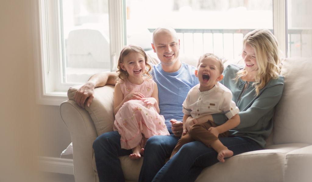 regina in home family photo session