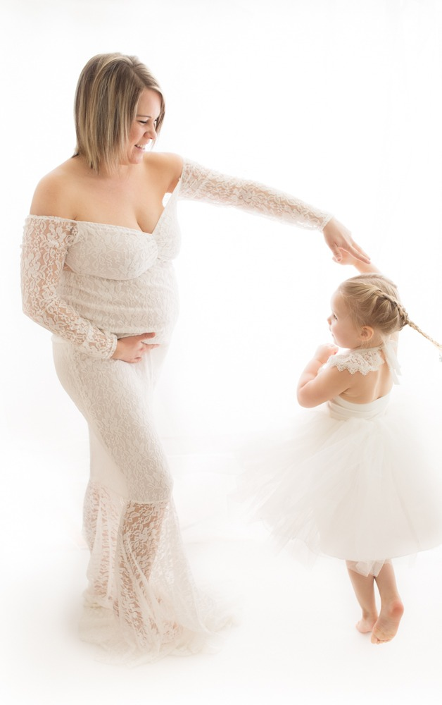 white maternity session